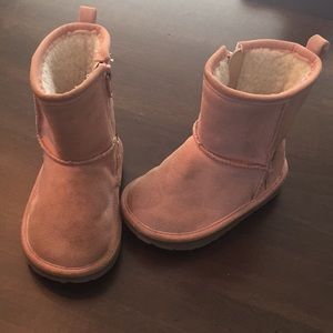 Baby Gap pink cozy fleece boots, size 6